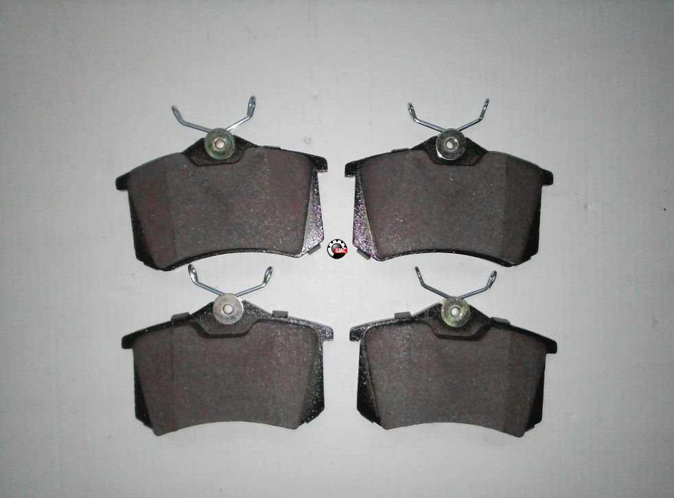 MG 5 Колодки тормозные задние 10030811