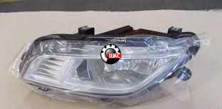 MG 6 Фара противотуманная передняя правая 10012113