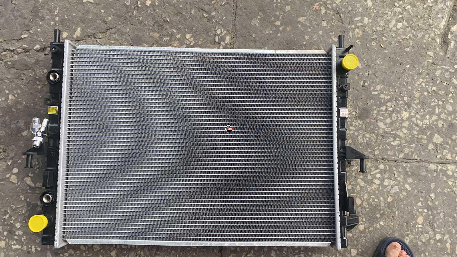 MG 550 Радиатор охлаждения АТ 10001378