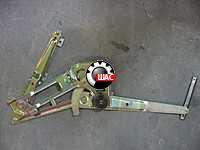 JAC 1045K Джак (V=2.8L) Стеклоподъемник двери левый