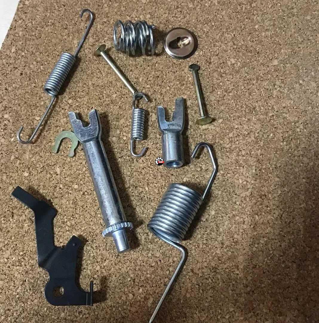 FAW V5, V2, B50 Ремкомплект тормозного барабана заднего левого V5 1014001815-RL