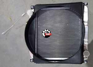 Foton 504  LOVOL (V=3,2L) Радиатор охлаждения основной (ш46*в 47 верх R низ L)