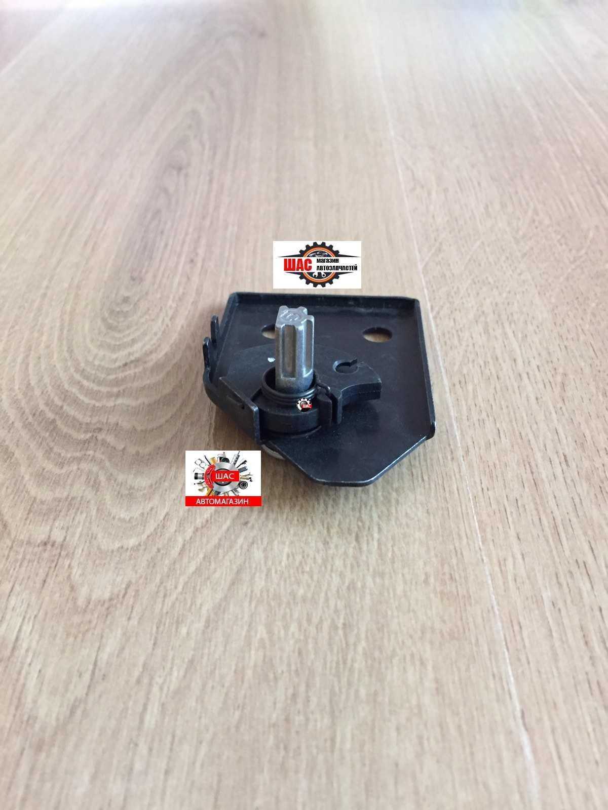 MG 550 Ручка капота (кронштейн, седло) 10002272